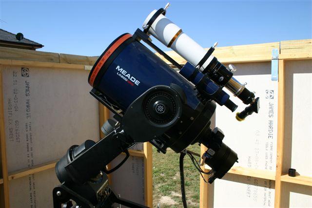 Photo of the Willam Optics Megrez ED II APO piggybacked on LX200Gps 10
